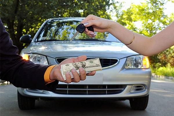Có nên vay tiền ngân hàng mua xe ô tô hay không?